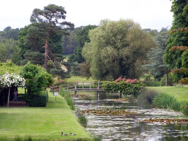 Hever Castle Garden, 2008