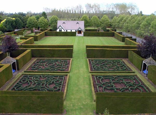 Knot Gardens, Trott's Garden