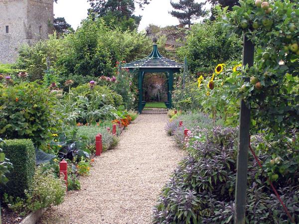 Greys Court Garden