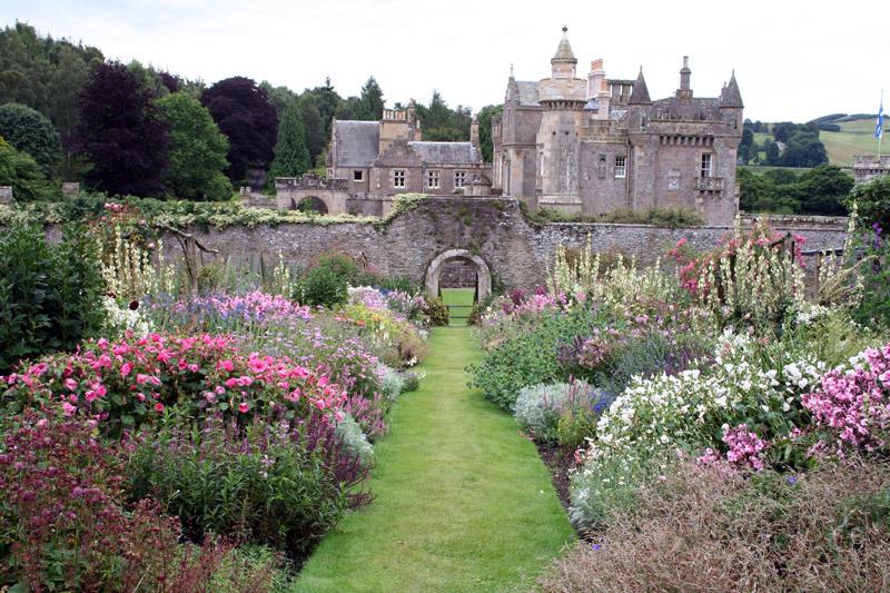 Abbotsford house garden for Garden design ideas scotland