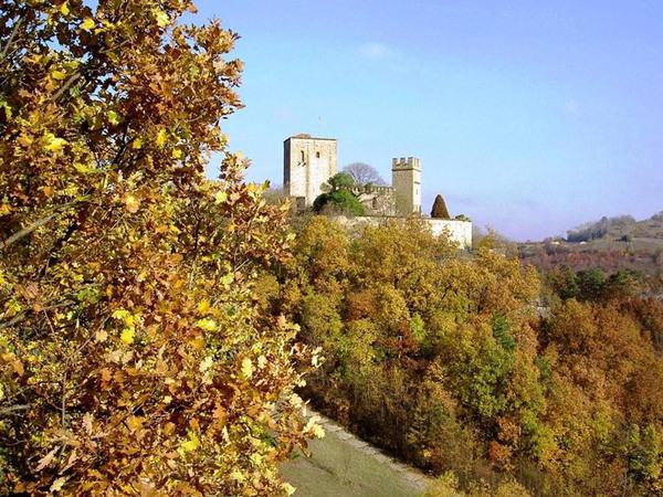 Castello di Gropparello, Autumn