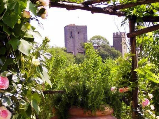 Castello di Gropparello Garden