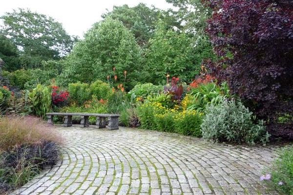 Slave Garden, Pine Lodge Gardens