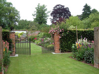 Medium stockton bury pillar garden original
