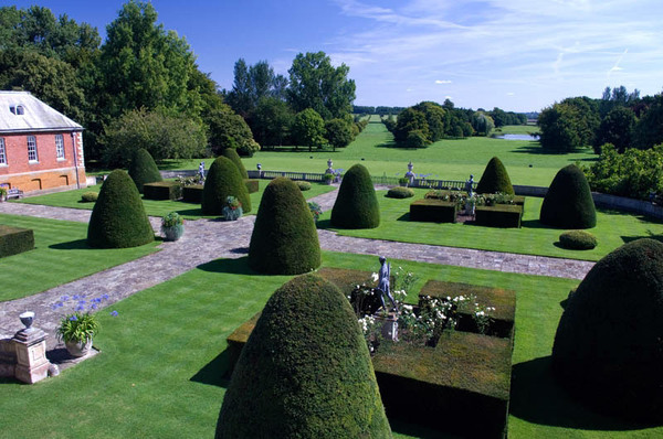 Cottesbrooke Hall Gardens