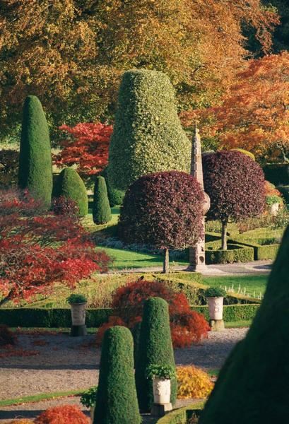 Autumn, Drummond Castle Gardens