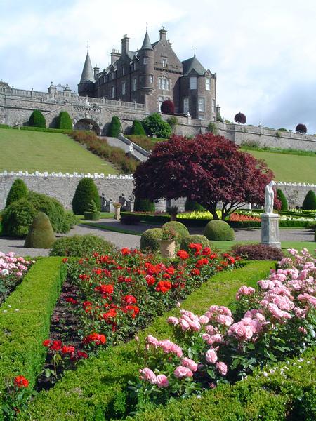 Parterre, Drummond Castle Gardens