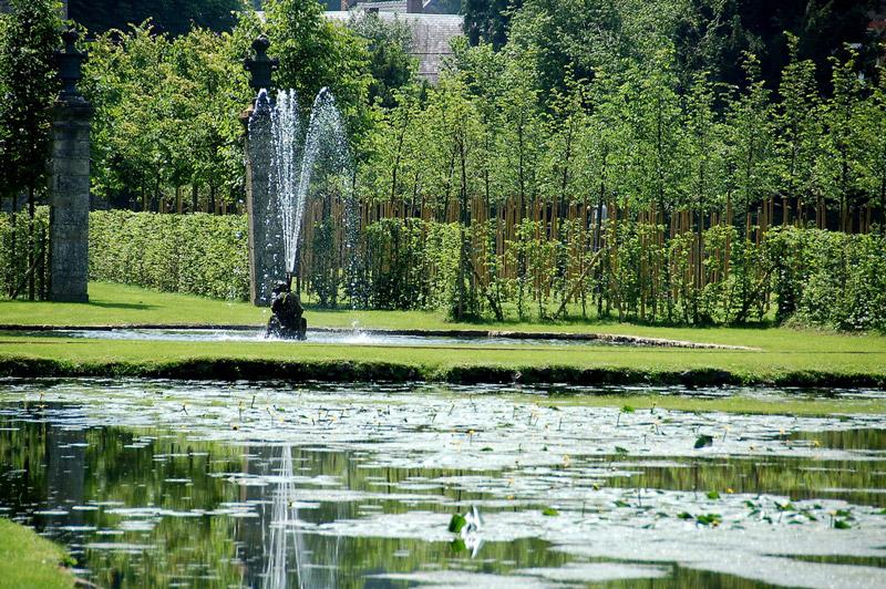 Les jardins d 39 annevoie - Jardin suspendu brussels montpellier ...