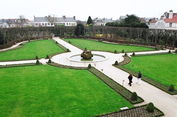 Jardin Bossuet, France
