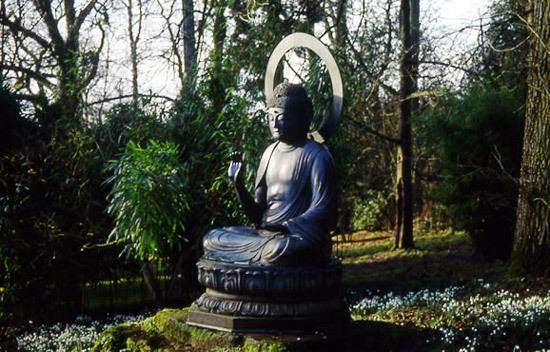 Buddha, Batsford Arboretum