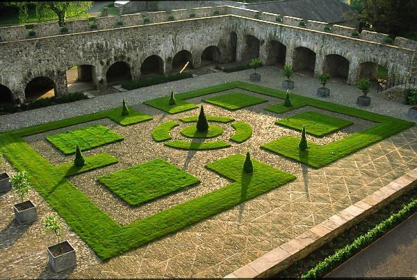 Cloister Garden, Aberglasney Gardens