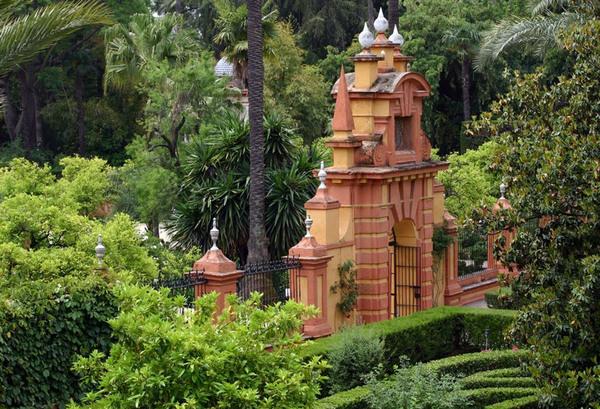 Jardines de las Reales Alcazares, Spain