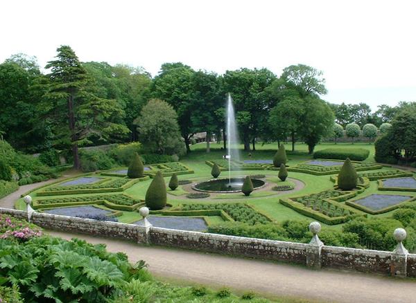 Dunrobin Castle Garden, Highlands