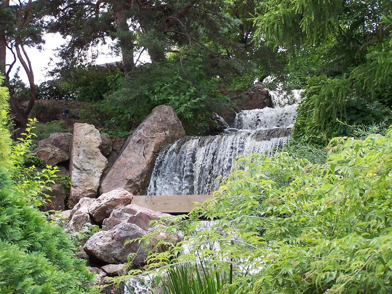 Delicieux Waterfall, Chicago Botanic Garden