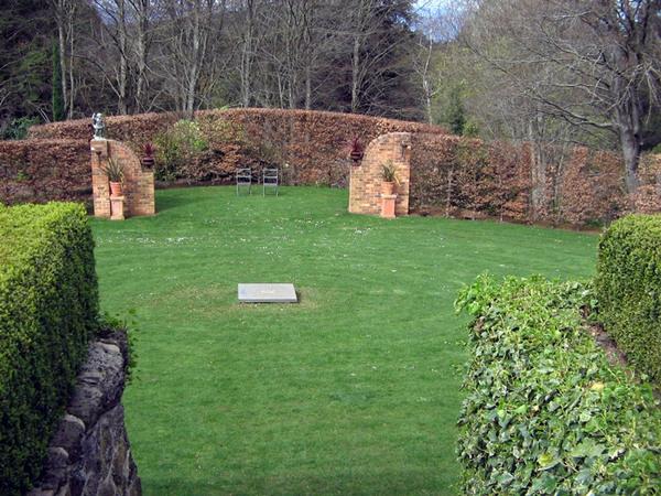 Garden Theatre, Cloudehill Gardens
