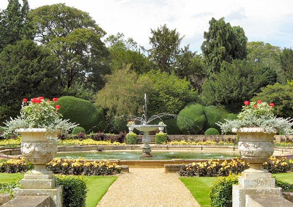 Italian Garden, Belton House Gardens