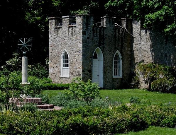 Highlands Mansion and Gardens