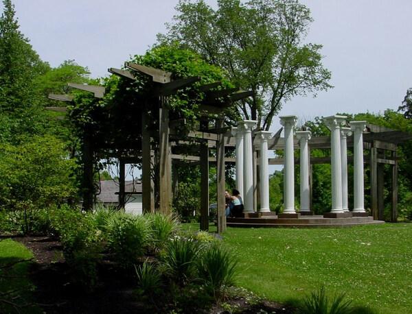 Noerenberg Memorial Gardens, Minnesota