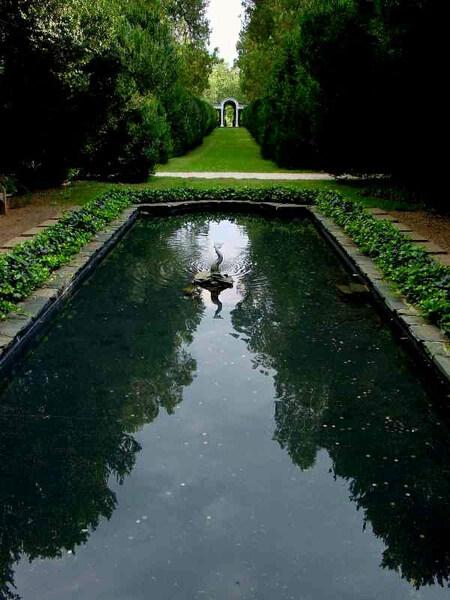 Pool, Oatlands Plantation