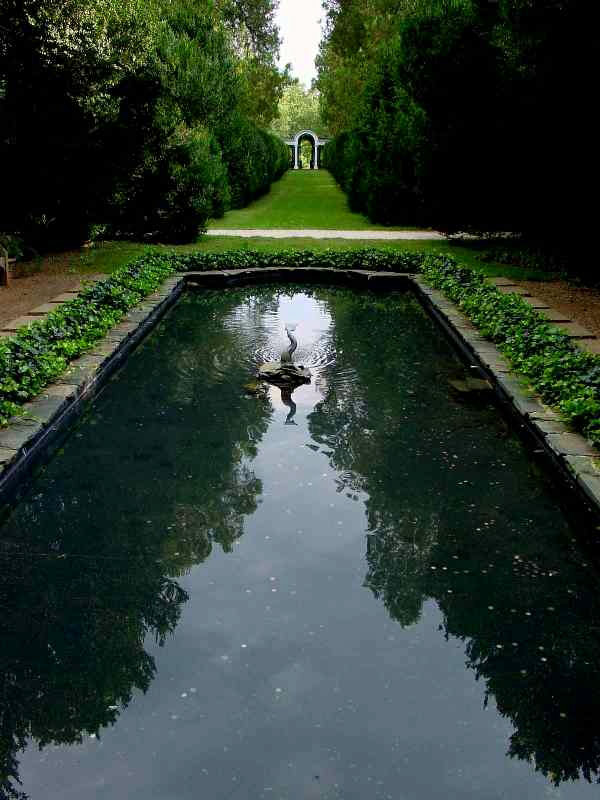 Pool, Oatlands Plantation