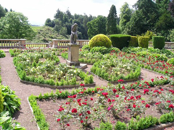 Manderston Garden