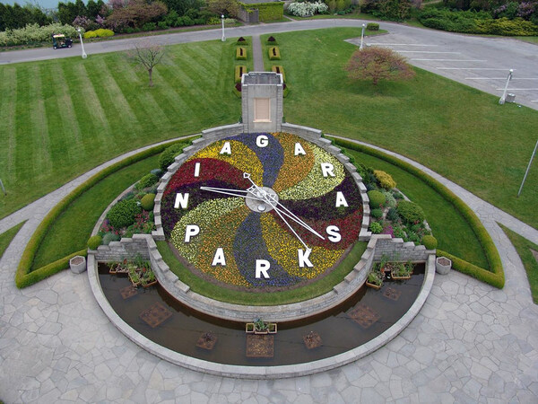 Spring 2006, Niagara Parks Floral Clock and Gardens