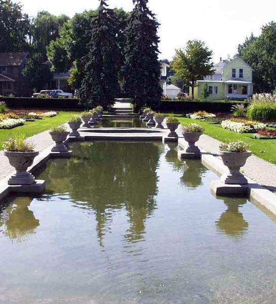 Lakeside Rose Gardens, Indiana