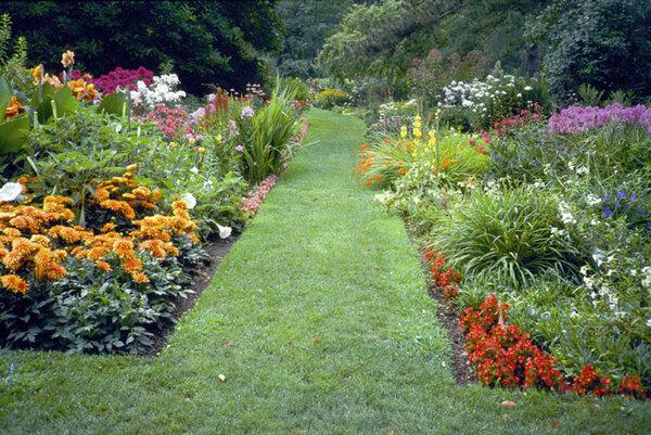 Mixed Border, Schoepfle Garden