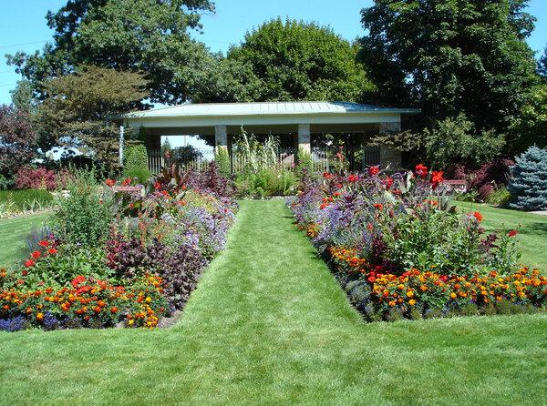 Cooley Gardens, Michigan