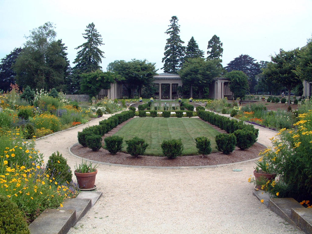Harkness Mansion and Garden