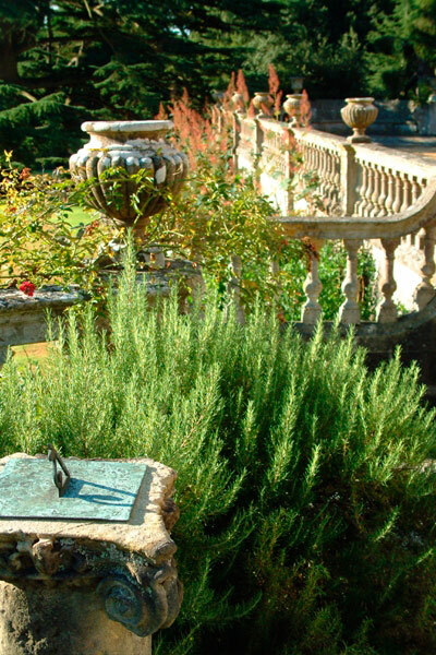 Sundial, Hinton Admiral Gardens