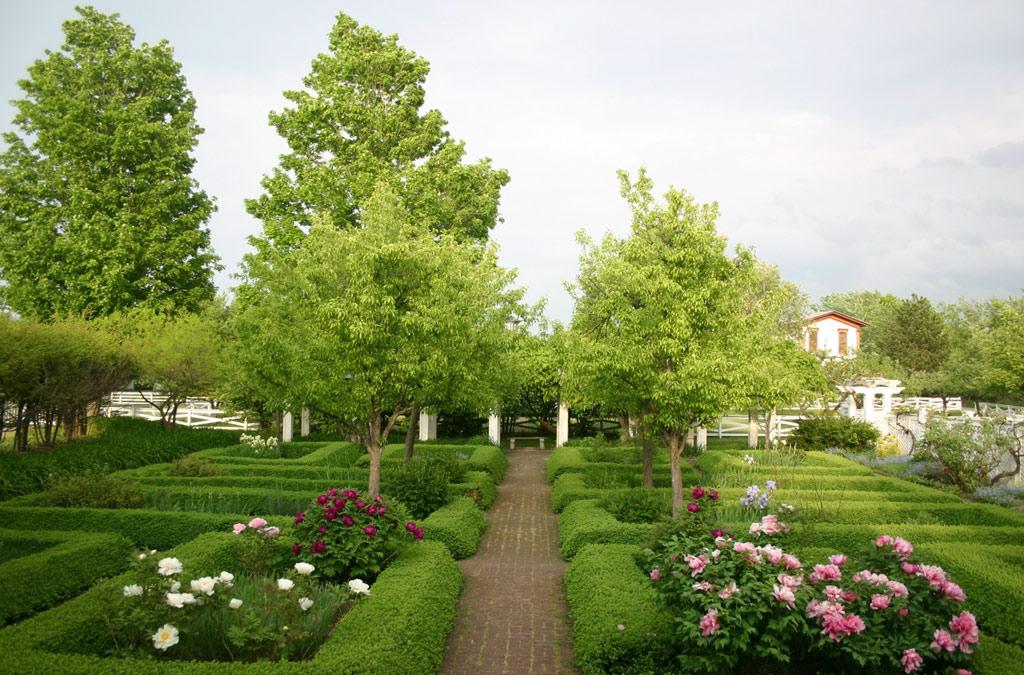 genesee country village gardens