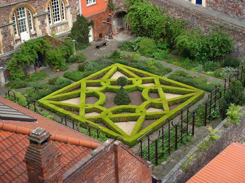 The red lodge garden for Garden design ideas bristol