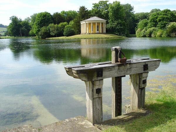 West Wycombe Park Skinnyde