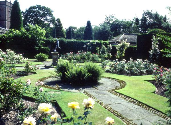Peover Hall Garden Gardenvisit.com
