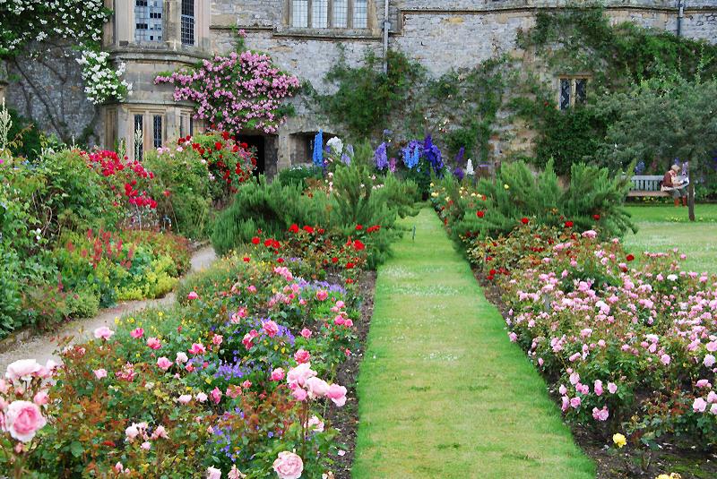 Haddon hall garden for Garden design derbyshire