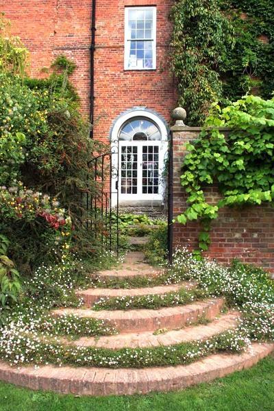 Burford House Gardens Tony Hisgett
