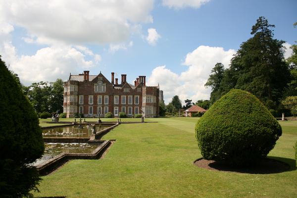 Burton Agnes Hall Garden jo-h