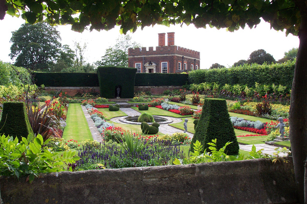 Hampton Court Palace Garden Paula Funnell