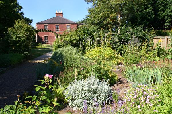 Bede's World Herb Garden Gardenvisit.com