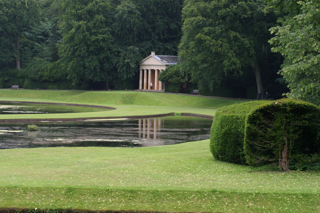 Studley royal and fountains abbey on ruins garden