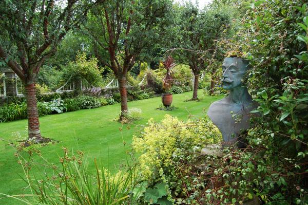 House of Pitmuies Garden Tenor Horn Man