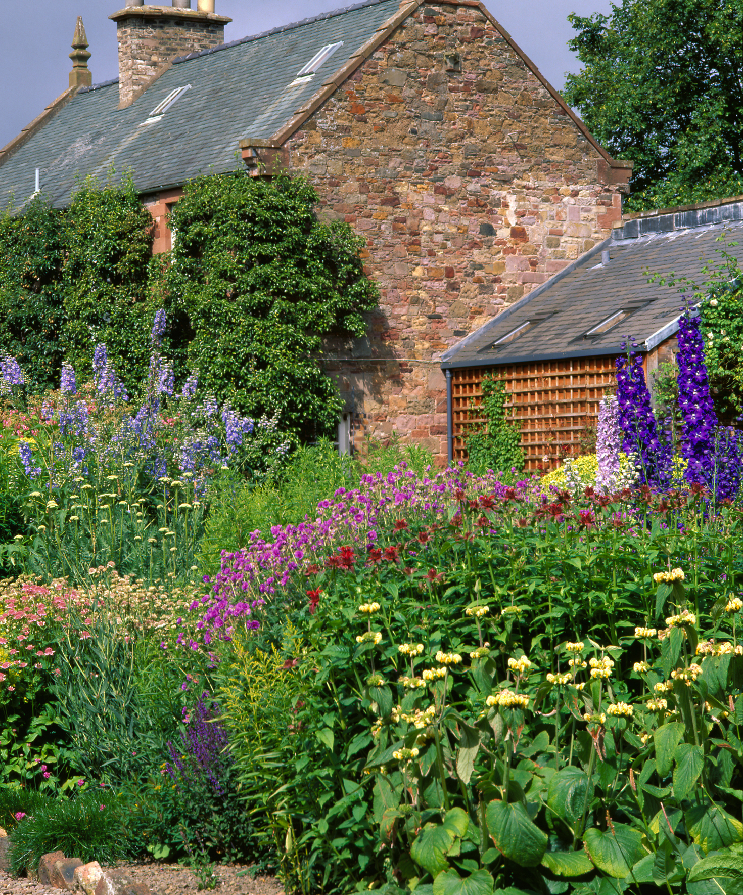 Garden: Inveresk Lodge Garden