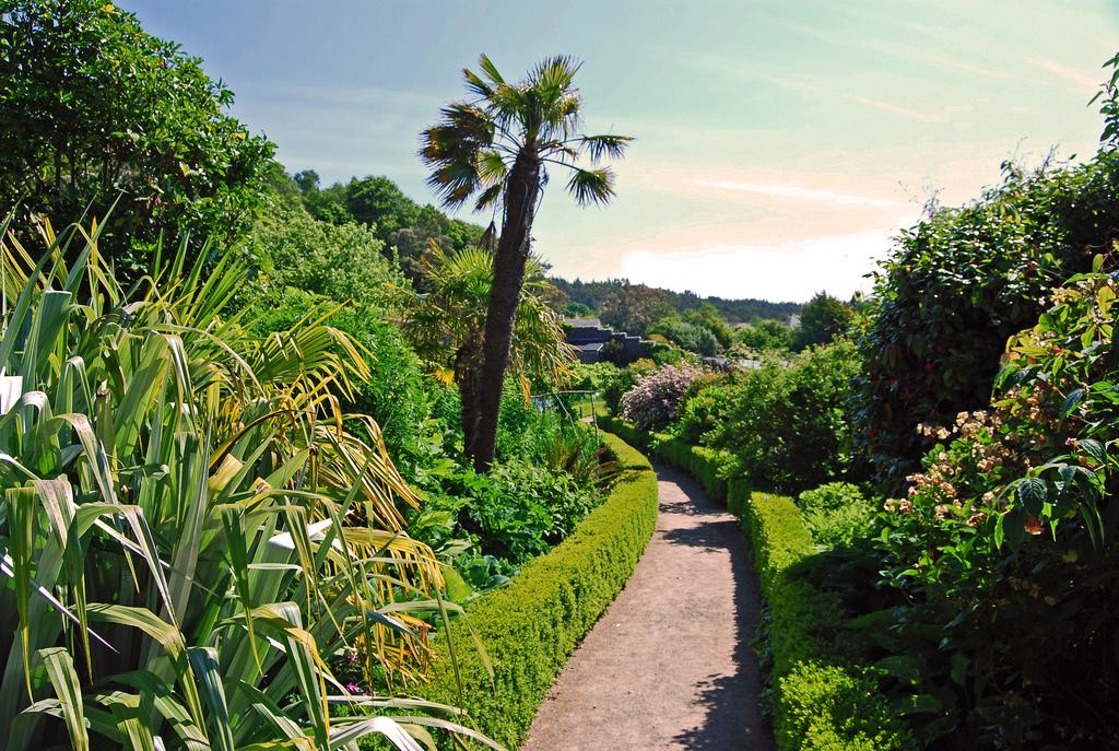 Inverewe garden for Landscape gardeners
