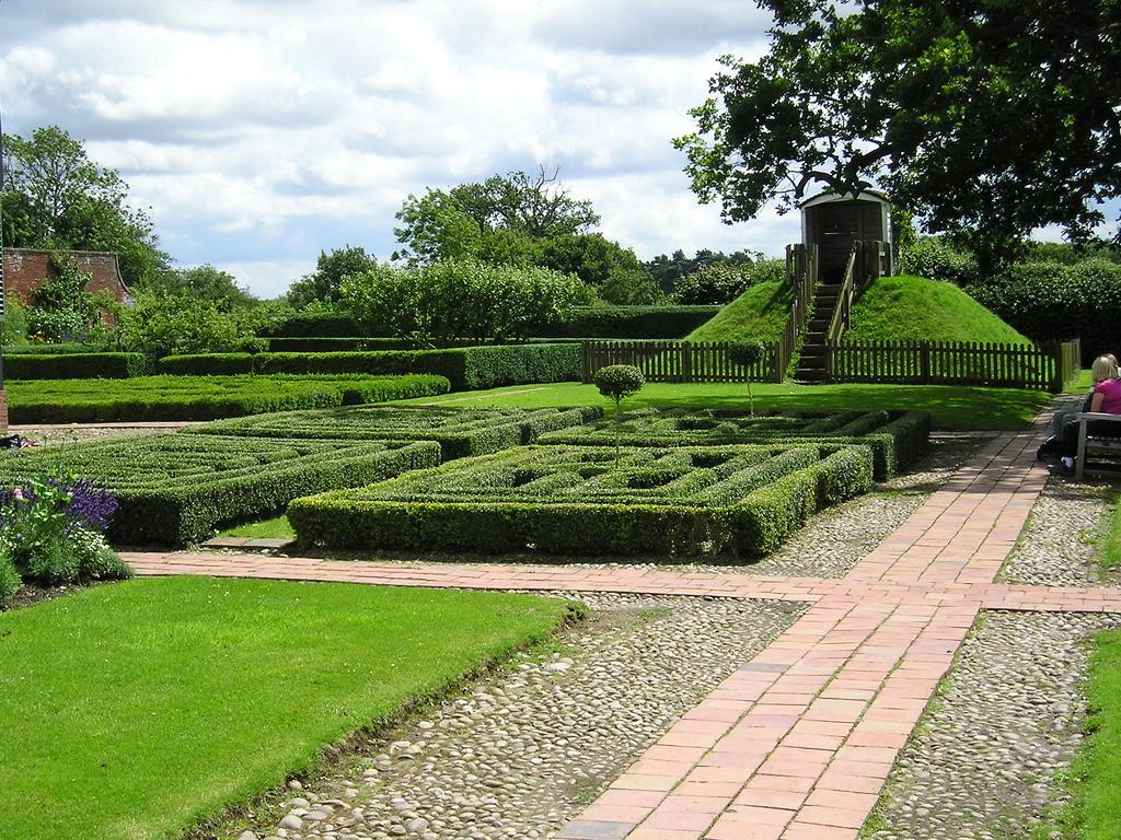 Boscobel House Garden
