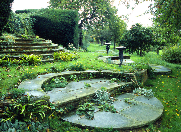 Deanery garden for Gertrude jekyll garden designs