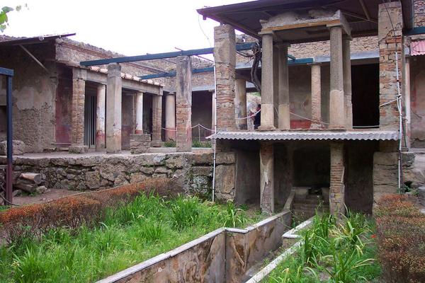 Pompeii Gardens Phil Dokas
