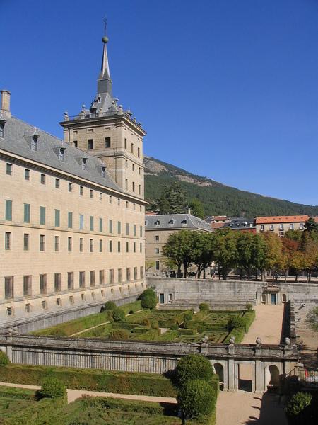 jardin del monasterio de el escorial