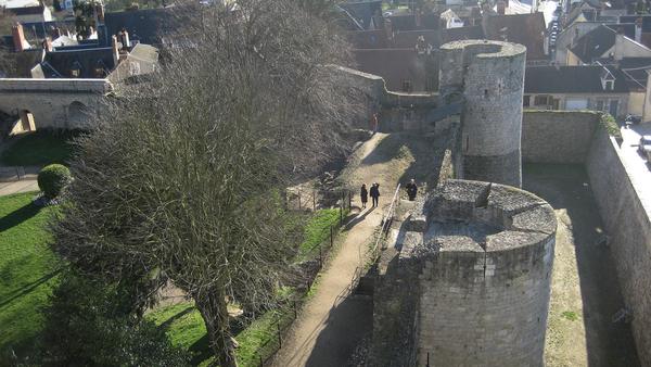 Chateau Dourdan zenra