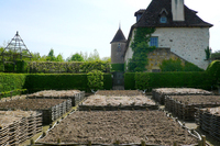 Medium medieval garden at priory our lady of orsan 2016 jpg original